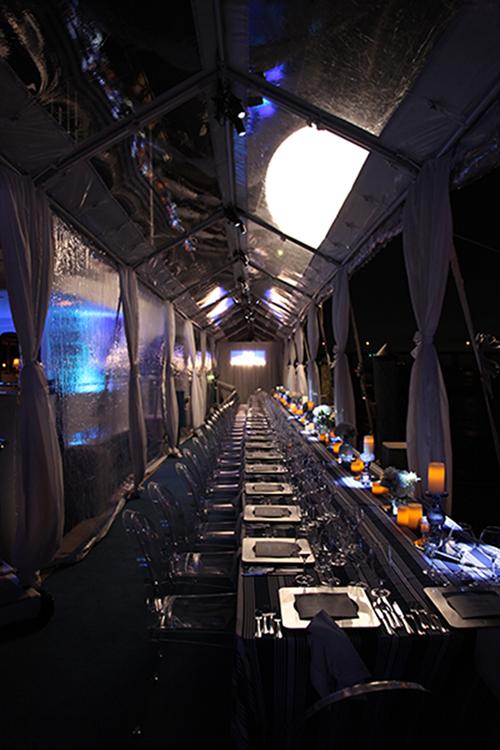 TwoShipsPassingInTheNight/SWFLWineFestival/FtMyers/YachtBasin/DinnerTable/Balloon.jpg