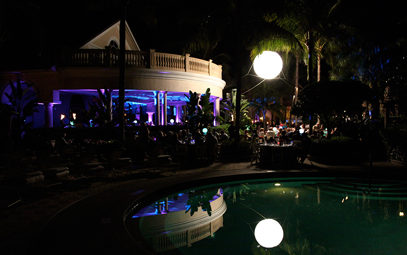 Fiddlers_Creek_Welcome_Back_Lighting_Balloon_overpool_LED_uplighting_Naples