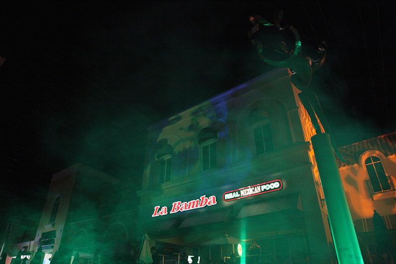 LaBambaWeen_LaBamba_Miromar_Halloween_Party_green_smoke_projectionmapping_projection_estero_FGCU